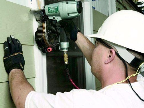 Construction Jobs Now Hiring — Worker installing siding